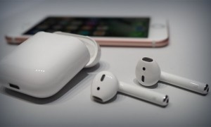 Apple AirPods, стоят ли они того?